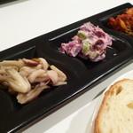 ワイエスオーツー - パスタセット  ¥840  前菜3種 フォカッチャ