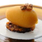 ボングウ・ノウ - 『柿とコニャックのソルベ』季節の果物を一段と美味しく贅沢に