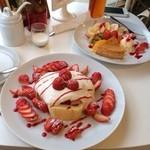 ヴァニエール - チーズケーキ、苺のショートケーキ