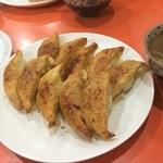 餃子会館 - 餃子会館です!富山駅前のサラ飯の定番(^∇^)