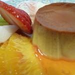 風の家 - 自家製カスタードプリン フルーツとバニラアイス添え