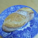 パン工房 たまいろは - ミニフランスパン120円