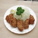 グリルおおくぼ - 料理写真:大きいサイズの牡蠣をジューシーなままにフライにしました。カキフライ定食¥1,025-