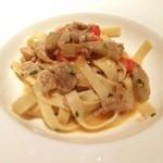 ジャルディーノ蒲生 - こちらは地鶏モモ肉とキノコのラグソース仕立てのパスタ!