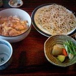 23981580 - ランチ 親子丼と蕎麦大盛