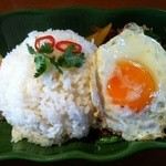 アジアン バンブーン - 挽肉のバイガパオ炒めご飯大盛り 750円