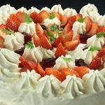 トニーローマ -  ホームメイド・ホールケーキ(22㎝) 前日までのご予約で、 名前入りホールケーキをご用意いたします