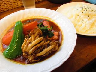スープカレー カムイ - どさんこベーコンほうれん草カレー