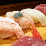寿し富 - カニ・甘海老付近のアップ