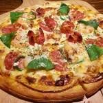 24004854 - アイランド&ビーチ特製ピザ