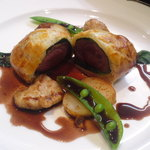ビストロカワノ - 本日のディナーお肉料理 蝦夷鹿のパイ包み焼き リードヴォー添え 赤ワイン煮