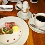 カフェレストラン ラヴィータ - デザートとドリンク