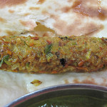 D.カジャナ 高取店 - スパイシー肉団子的なシシカバブも美味しい!