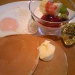 フレンドリー - パンケーキモーニング(590円)