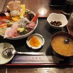 味の店 五味屋 - おまかせ丼(2100円)
