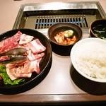 焼肉レストラン 安楽亭 - 料理写真:元気応援 満腹250g定食¥1000