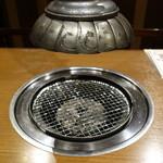 焼肉×食べ放題 南大沢 にひゃくてん - 焼きの網