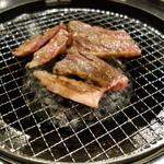 焼肉×食べ放題 南大沢 にひゃくてん - 焼き中