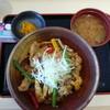矢板北パーキングエリア(下り線)食堂 - 料理写真:ヤシオポーク辛肉味噌彩り丼