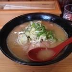 ラーメン扇 - ラーメン扇の魚介塩豚骨ラーメン並650円(14.01)