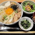 鶏の蔵 - 名古屋コーチン 鶏すき親子丼