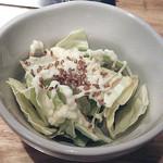 24024352 - 付け合せの小鉢料理は、「うまだれキャベツ」。キャベツ生に胡麻とマヨネーズ?