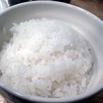 24024353 - 北海道産「ゆめぴりか」の艶々ごはんはおかわり自由。漬物が欲しい!