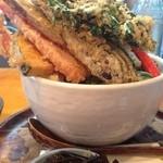 天ぷらうどん大盛り。