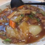 八起 - 牛バラ麺