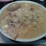 らーめん みずさわ - 豚骨背脂 燕ホワイト (750円) + 味つけ玉子 (100円)