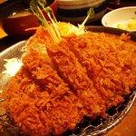 かつふじ - 六白黒豚ロースカツ定食(中)140g 1880円('08/08)