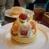 RAINBOW PANCAKE - 料理写真:季節のフルーツ