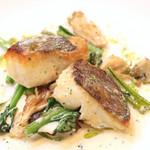 Le 日本食堂 - 鮮魚のポワレ。今回は鯛でした。 '14 1月中旬