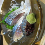 福寿司 - なんかへんな方向いてるけどしめ鯖うみゃー