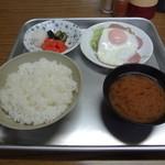 秩父屋食堂 - 料理写真:アルミプレートで供されます