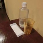パッポンキッチン - 水は再利用のペットボトルで提供!