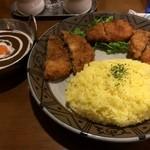 インディ桂木 - ミックスフライカリー(ひれかつ、メンチカツ、鷄の唐揚げの3種)980円