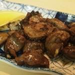 勝太鼓 - 鍋が出来上がるまで「砂ずりニンニク」を食べて待つ