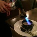 24049673 - 目の前で焼かれるといい匂いが広がります。