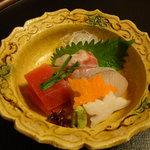 大宮 伊勢錦 - 昼のおまかせ懐石・百合(造り)