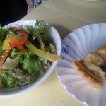 ぶどうの実 - 2009/10 ハーフ&ハーフプレートランチのサラダとキッシュ