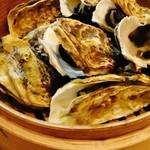 ロッカッチョ - プリプリの蒸し牡蠣