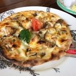 カフェビィー - きのこのピザ