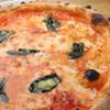 ワイン食堂ジーノ - 料理写真:マルゲリータ