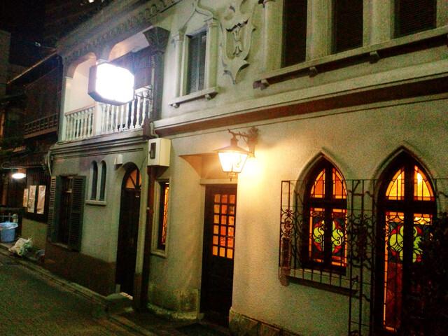 フランソア喫茶室 - 有形文化財の外観。河原町駅より高瀬川西側へ【'14.1月】