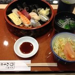 八千代鮨 - にぎり1.5人前1000円