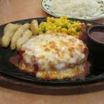 サイゼリヤ - 挽肉のチーズカツレツ 829円