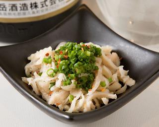 博多もつ処 浜や - 地鶏のコリコリ皮酢 特製ポン酢で食べるおつまみの定番品
