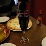 イタリアンバル バル道 - ハバネロ下さいと言ったら、出てきたタバスコと赤ワインで頂きました。