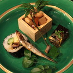 御料理 宮した - 前菜 (福豆、恵方巻、黒背鰯の丸干し、フグの煮こごり)
